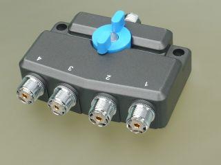 D-Original  AVSW4M antenni lüliti 4-positsiooniline UHF-pistikud
